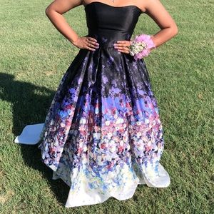 Cinderella cut prom dress